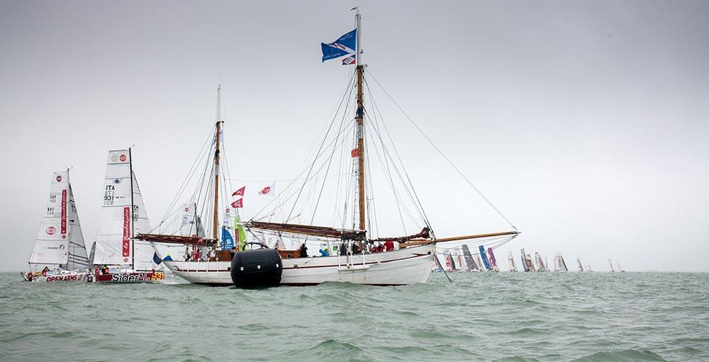 VOYAGE VERS LES ANTILLES sur le Notre Dame des Flots, bateau accompagnateur de la Mini 6.50 en 2021